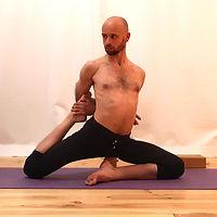 yoga-iyengar-beal-03.jpg