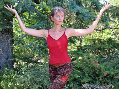 """Dimanche 25 Avril, Formation au Yoga """"Corps-Conscience"""" avec Florence Diemer, (10h-13h)."""