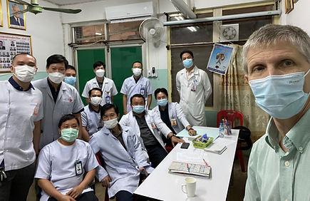 Craig Kent with Doctors wearing masks_Revised.jpg