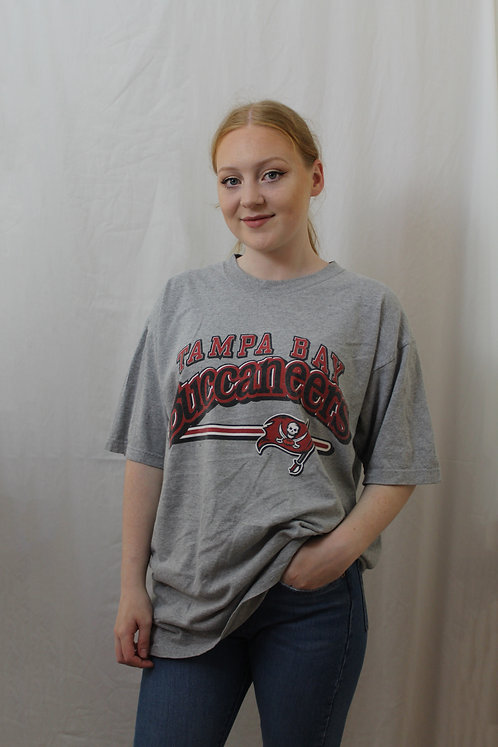 Vintage 'Tampa Bay Buccaneers' T-Shirt