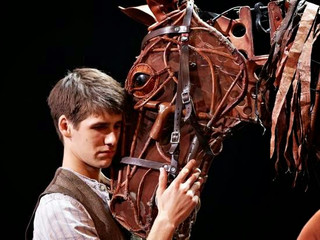 War Horse musicians sue National Theatre