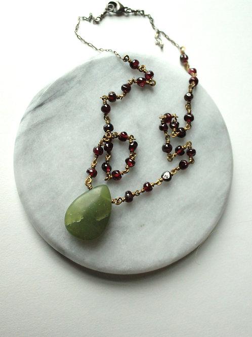 Jade & Full Garnet Sweet Necklace