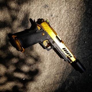 [Werbung wegen Markennennung]_GunPorn._-