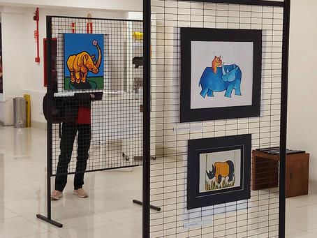 """Visite a exposição """"Quindim, um rinoceronte pelo mundo!"""" no Prataviera Shopping"""