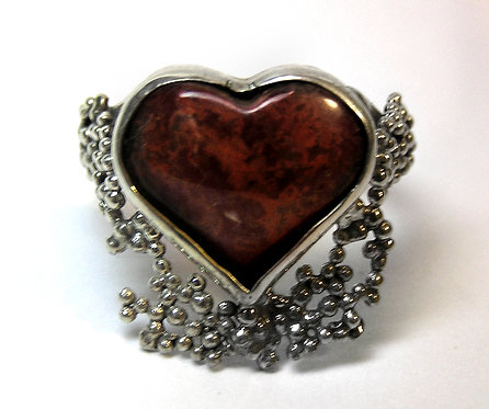 Jáspis szív alakú ékkővel díszitett GYŰRŰ