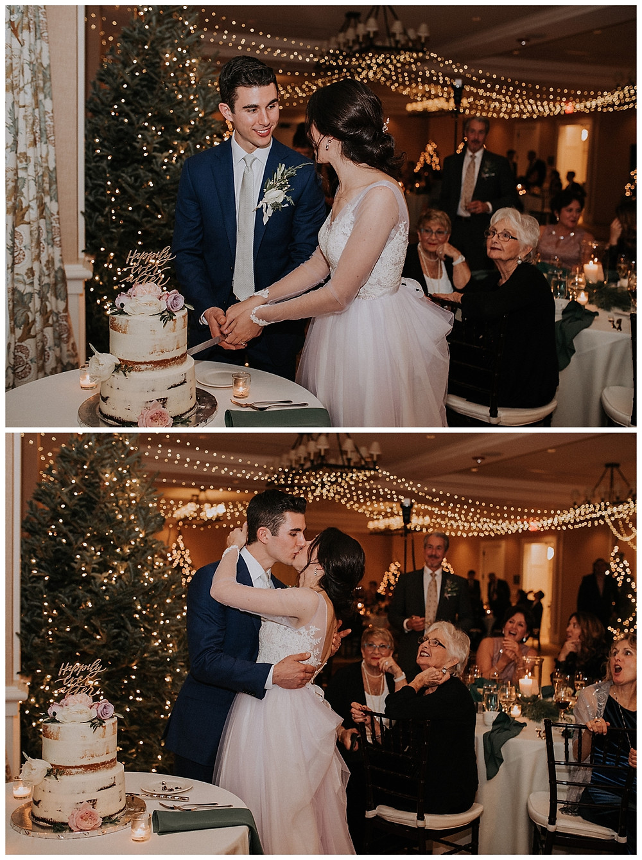 Bride & Groom Cake Cutting