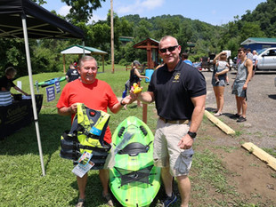 Kayak Event Raises Scholarship Funds for Southern
