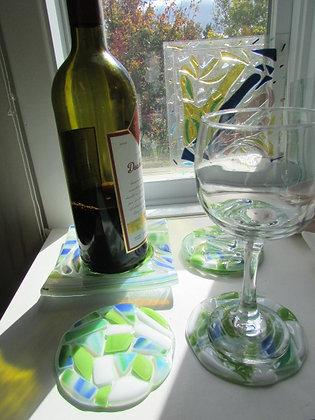Repose bouteille de vin et ses quatre coupes