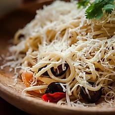 Bucatini with Sausage & Kale