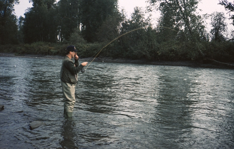 Eind augustus 1990. Voor het eerst vliegvissen op steelhead in British Columbia. De Kispiox. Na 20 minuten haakte ik mij 1e steelhead!