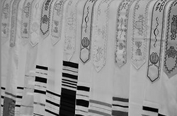 Rabbi Yaron Kapitulnik