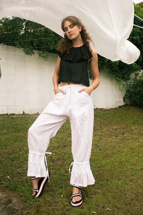 RUFFLE PANTS - white