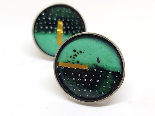 Lichen and black dotty ring