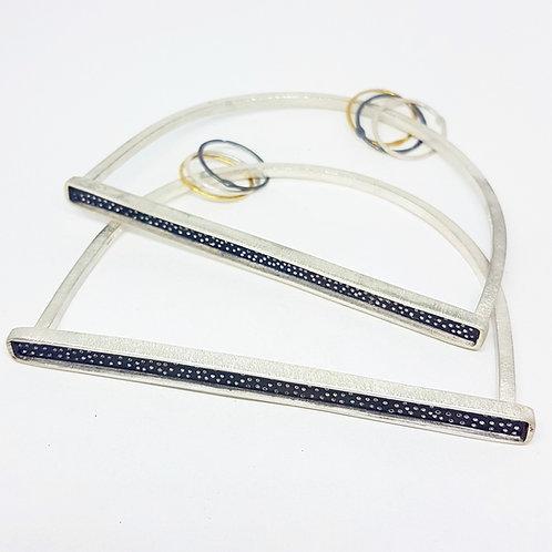 Long Dotty bracelet .