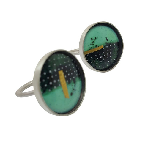 Lichen and black dotty ring