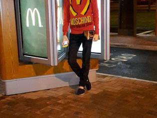 Fast Food Fashion ft Moschino AW14/15...