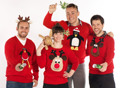 Christmas-Jumpers-Mixed-Pig-Mistletoe_1_large.jpg