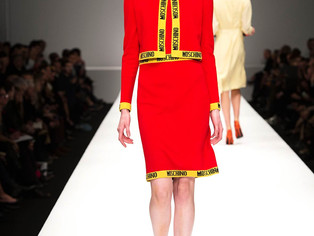 Monday with Moschino - My obsession...