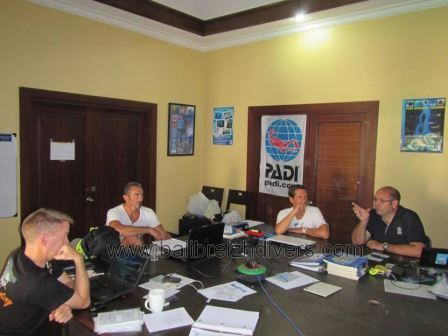 Divemaster training in our classes