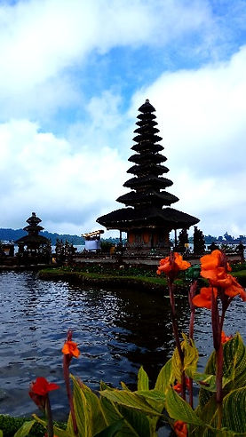 temple lake bratan diving tour attraction