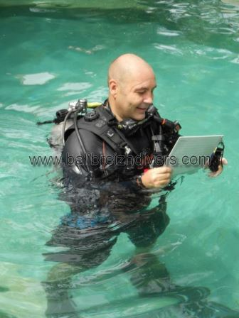 PADI Course Director Guy Faisnel