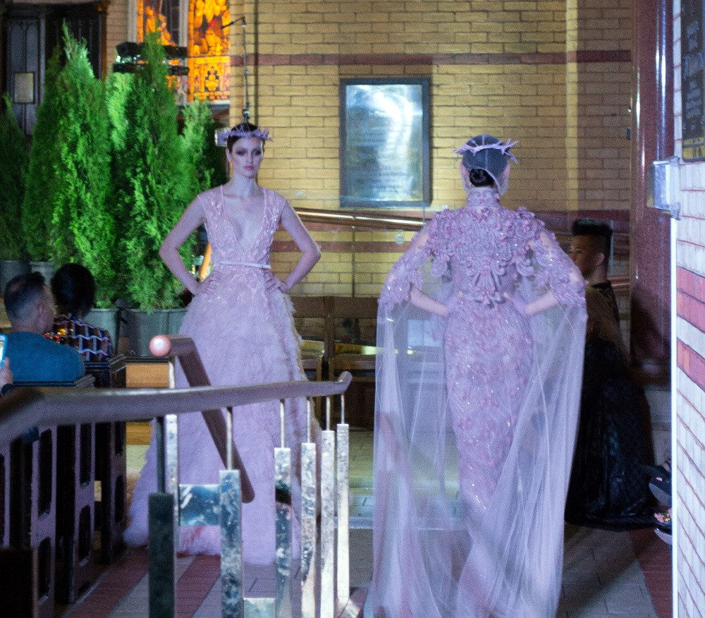 Noie Fashion: Amato Couture a view from the side