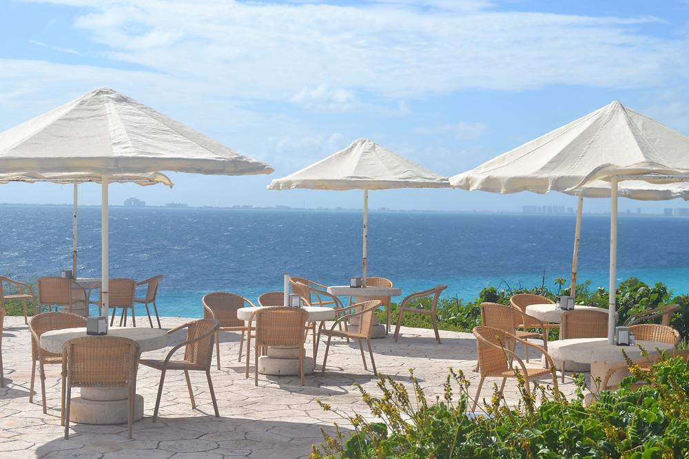 Noie Lifestyle: Punta Sur Cafe Overlooking the sea
