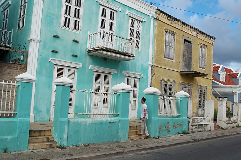 Noie Vacation Curacao, walking around Pietermaai in Willemstad