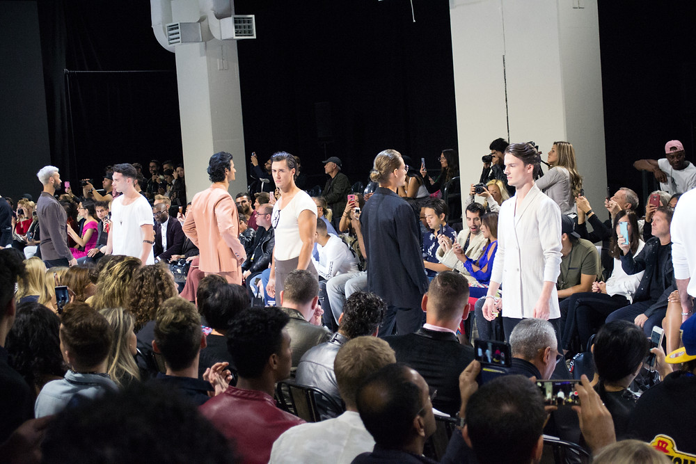 Noie Fashion: TOM SS18 Ocean Rebel Runway