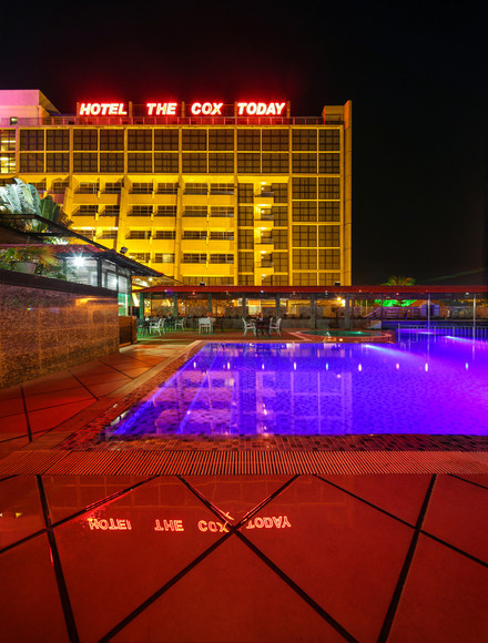 Swimming pool, hotel the cox today