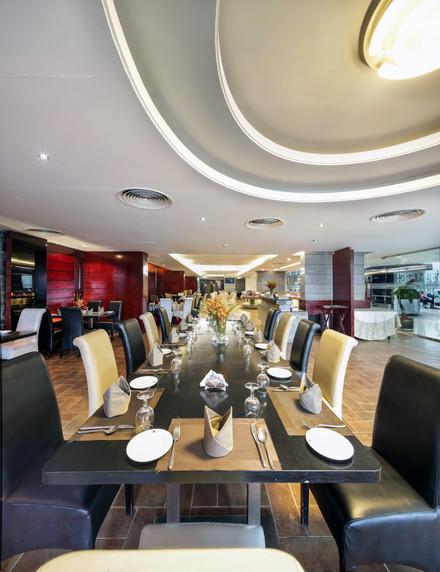 Restaurants, Hotel the Cox Today