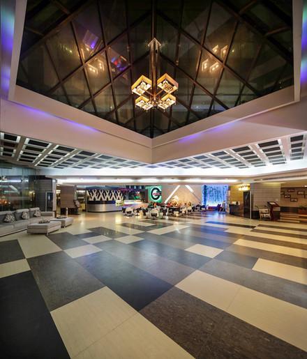Reception lobby, hotel the coxtoday