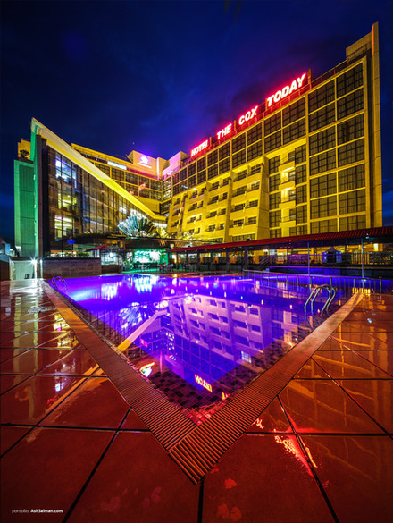 Hotel the cox today swiming pool view
