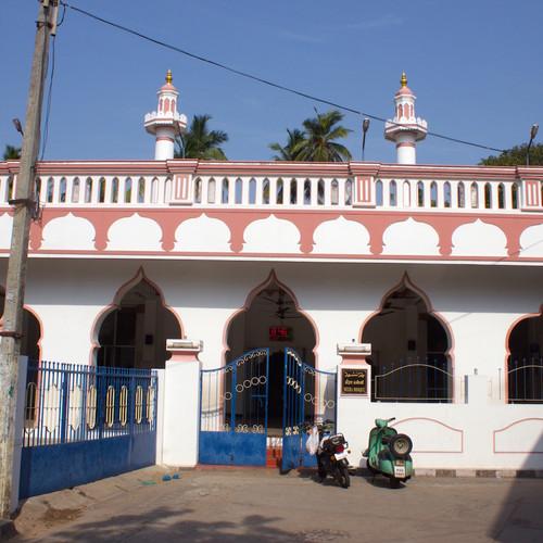 23-muslim-quarter-meeran-mosque-350-years.jpeg