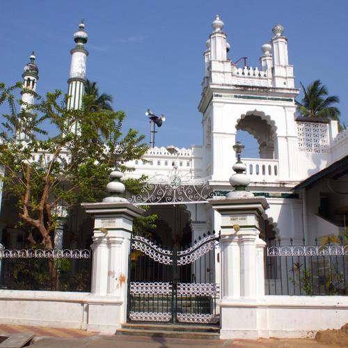 24-muslim-quarter-jama-masjid-kutpa-mosque.jpeg