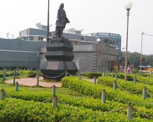 statue-of-dupleix-puducherry-tourism-location-address.jpeg