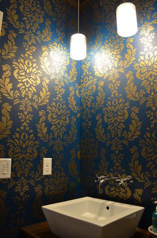 stencil damask bathroom (3).jpg