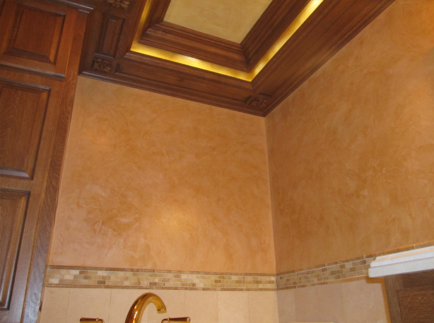 big_venetian bathroom ceiling.jpg