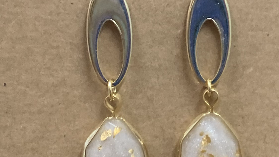 FLAKE TEARDROP & OVAL EARRINGS