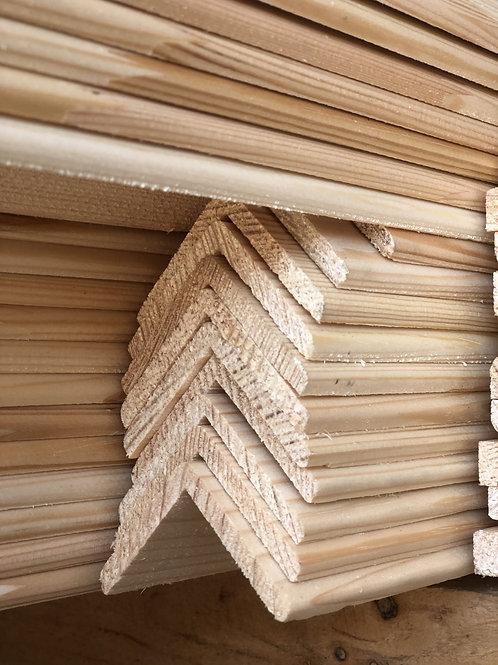 Уголок деревянный 40*40*2500мм. Хвоя