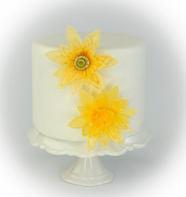 Edible Paper Daisies and Daffodils
