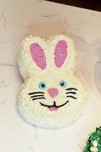 How to make bunny head cake.jpg