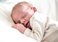 צילומי תינוקות אישיים בלבן