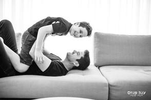 צילומים במסגרת בייתית אבא ובן