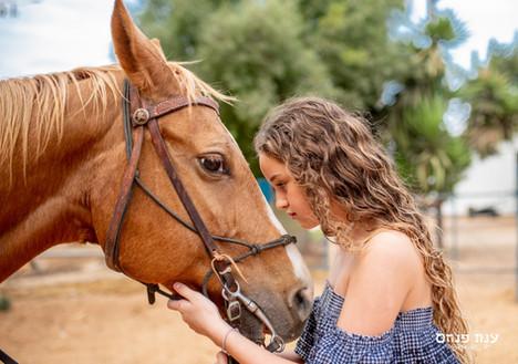 צילומי בת מצווה בחוות סוסים