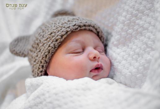 צילומי תינוקות (תינוק עם כובע)