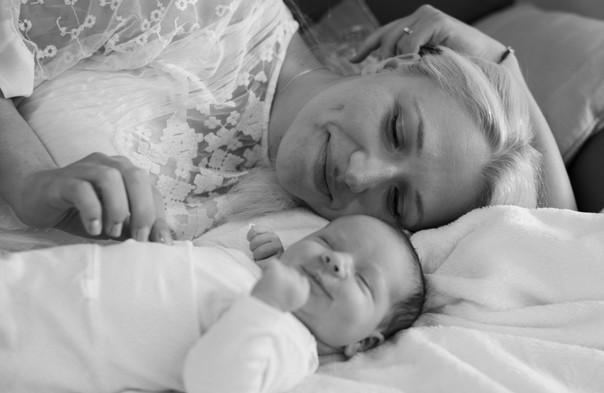 צילומי תינוקות אמא ובת