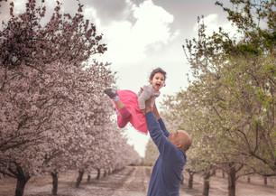 צילומי משפחות בטבע בשקדיות
