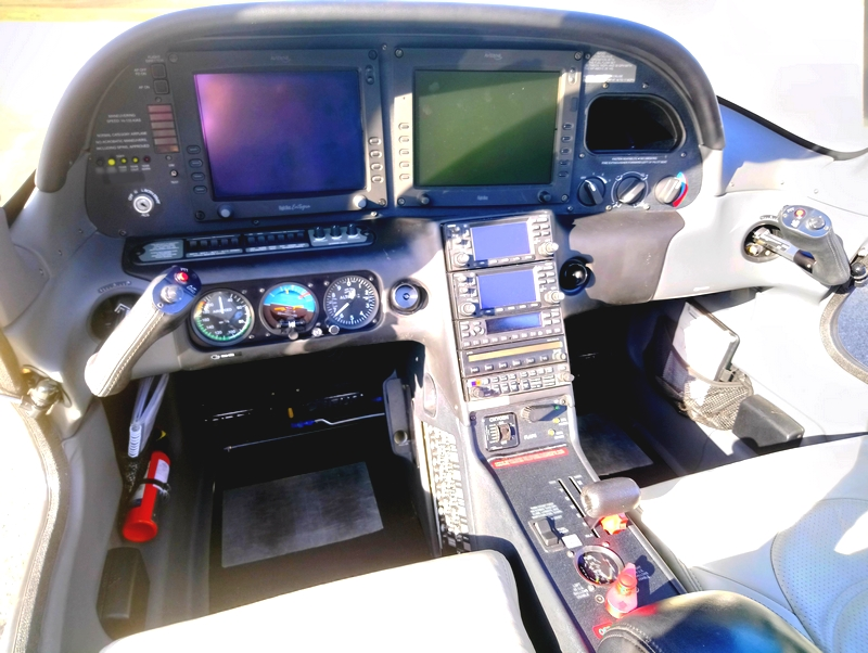 CIRRUS SR22-G3 PANEL