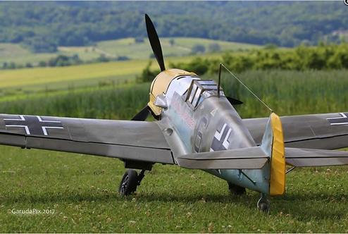 Messerschmitt BF-109 E4 1/4